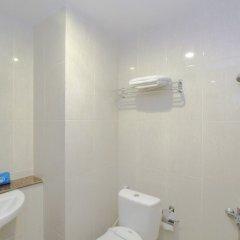 Отель Airy Medan Petisah Darussalam ванная фото 2