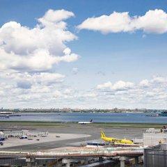 Отель New York LaGuardia Airport Marriott США, Нью-Йорк - отзывы, цены и фото номеров - забронировать отель New York LaGuardia Airport Marriott онлайн пляж