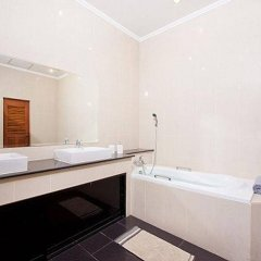 Отель Villa Aromdee A ванная фото 2