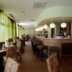 Апартаменты VM Apartments Royal Sun гостиничный бар