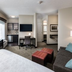 Отель Staybridge Suites Saskatoon - University комната для гостей фото 5