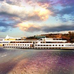 Отель Compass River City Boatel пляж