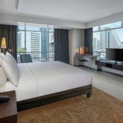 Отель DoubleTree by Hilton Bangkok Ploenchit Бангкок комната для гостей фото 7
