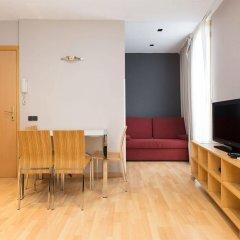 Апартаменты AinB Born-Tiradors Apartments Барселона комната для гостей фото 3