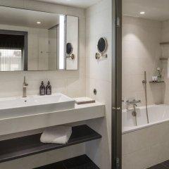 Отель At Six ванная