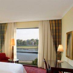 Отель Sheraton Grand Krakow Краков комната для гостей фото 5