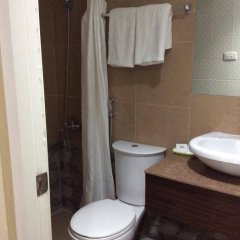 Отель Wregent Plaza Hotel Филиппины, Тагбиларан - отзывы, цены и фото номеров - забронировать отель Wregent Plaza Hotel онлайн ванная