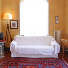 Апартаменты Poggio Imperiale Apartments Флоренция комната для гостей фото 2