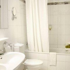 Отель Best Western Ambassador Hotel Германия, Дюссельдорф - 4 отзыва об отеле, цены и фото номеров - забронировать отель Best Western Ambassador Hotel онлайн ванная