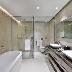 Отель Courtyard by Marriott Al Barsha, Dubai ОАЭ, Дубай - отзывы, цены и фото номеров - забронировать отель Courtyard by Marriott Al Barsha, Dubai онлайн ванная