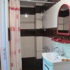 Гостиница Y Elena Guest House в Сочи отзывы, цены и фото номеров - забронировать гостиницу Y Elena Guest House онлайн ванная фото 2