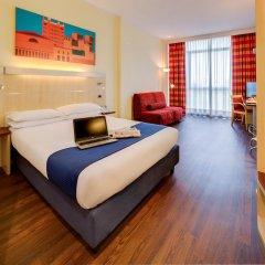 Отель Holiday Inn Express Parma Парма комната для гостей фото 4