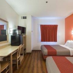 Отель Motel 6 Dale комната для гостей