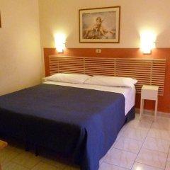 Hotel Pensione Romeo Бари сейф в номере