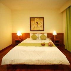 Отель Hoa Co Villas сейф в номере
