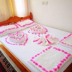 Отель Aphrodite Pansiyon Каш сейф в номере