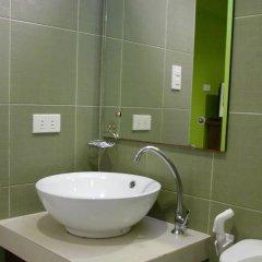 Отель LSM Square Residence Филиппины, остров Боракай - отзывы, цены и фото номеров - забронировать отель LSM Square Residence онлайн ванная фото 2