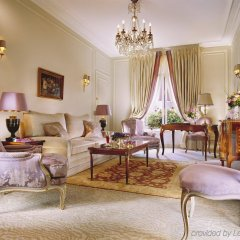 Hotel Plaza Athenee Париж комната для гостей фото 2
