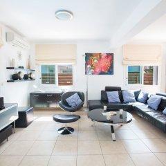 Отель Mesogios Villas комната для гостей фото 5