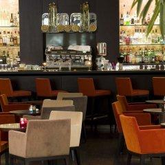 Отель Hilton Evian-les-Bains гостиничный бар