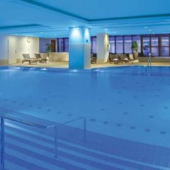 Отель Hilton Prague бассейн