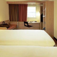 Отель ibis Lille Centre Gares сейф в номере