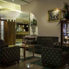 Отель Corvin Hotel Budapest - Sissi wing Венгрия, Будапешт - 2 отзыва об отеле, цены и фото номеров - забронировать отель Corvin Hotel Budapest - Sissi wing онлайн питание фото 3