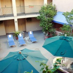 Отель Holiday Inn Express West Los Angeles США, Лос-Анджелес - отзывы, цены и фото номеров - забронировать отель Holiday Inn Express West Los Angeles онлайн бассейн