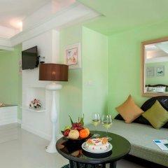 Отель Thavorn Palm Beach Resort Phuket Таиланд, Пхукет - 10 отзывов об отеле, цены и фото номеров - забронировать отель Thavorn Palm Beach Resort Phuket онлайн комната для гостей фото 2