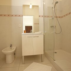 Отель Aquamarine Франция, Ницца - отзывы, цены и фото номеров - забронировать отель Aquamarine онлайн ванная