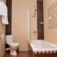 Отель Chateau-Hotel Trendafiloff Болгария, Димитровград - отзывы, цены и фото номеров - забронировать отель Chateau-Hotel Trendafiloff онлайн ванная фото 2