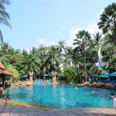 Отель Avani Pattaya Resort Таиланд, Паттайя - 6 отзывов об отеле, цены и фото номеров - забронировать отель Avani Pattaya Resort онлайн бассейн фото 2