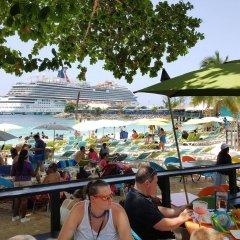 Отель Ocho Rios Getaway Villa at The Palms гостиничный бар