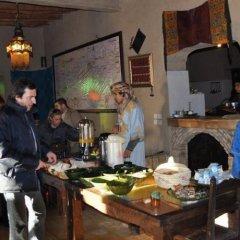 Отель Kasbah Leila Марокко, Мерзуга - отзывы, цены и фото номеров - забронировать отель Kasbah Leila онлайн питание
