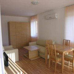 Апартаменты Apartment Complex Sunflower Солнечный берег комната для гостей фото 3