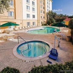 Отель La Quinta Inn & Suites Dallas North Central бассейн