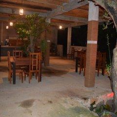 Отель Lavish Eco Jungle гостиничный бар