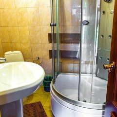 Гостиница Pomestie в Белокурихе отзывы, цены и фото номеров - забронировать гостиницу Pomestie онлайн Белокуриха ванная
