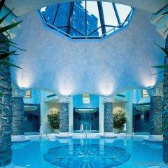 Отель Fairmont Banff Springs бассейн