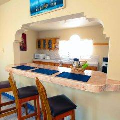 Отель Travellers Beach Resort в номере