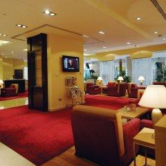 Отель Golden Tulip Sharjah ОАЭ, Шарджа - 1 отзыв об отеле, цены и фото номеров - забронировать отель Golden Tulip Sharjah онлайн интерьер отеля фото 3