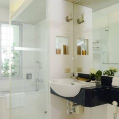 Отель At Ease Saladaeng ванная