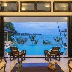 Отель Luxury Beach Front Noble House Villa гостиничный бар