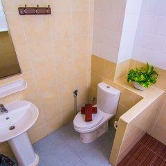 Отель Sutus Court 1 Паттайя ванная фото 2