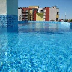Отель MPM Hotel Royal Central - Halfboard Болгария, Солнечный берег - отзывы, цены и фото номеров - забронировать отель MPM Hotel Royal Central - Halfboard онлайн бассейн фото 2