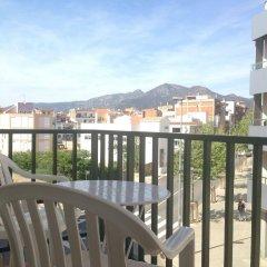 Отель Hostal Rom Испания, Курорт Росес - отзывы, цены и фото номеров - забронировать отель Hostal Rom онлайн балкон