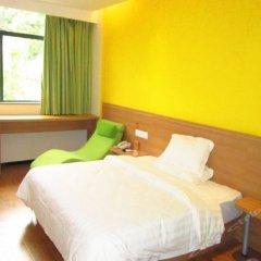 Отель 7 Days Inn комната для гостей