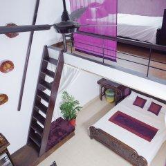 Отель NQ Vintage House сейф в номере