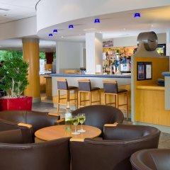 Отель Holiday Inn Express Bath гостиничный бар