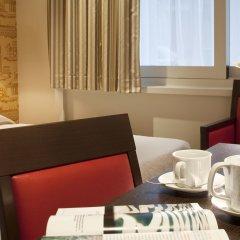 Отель Hôtel Perreyve в номере